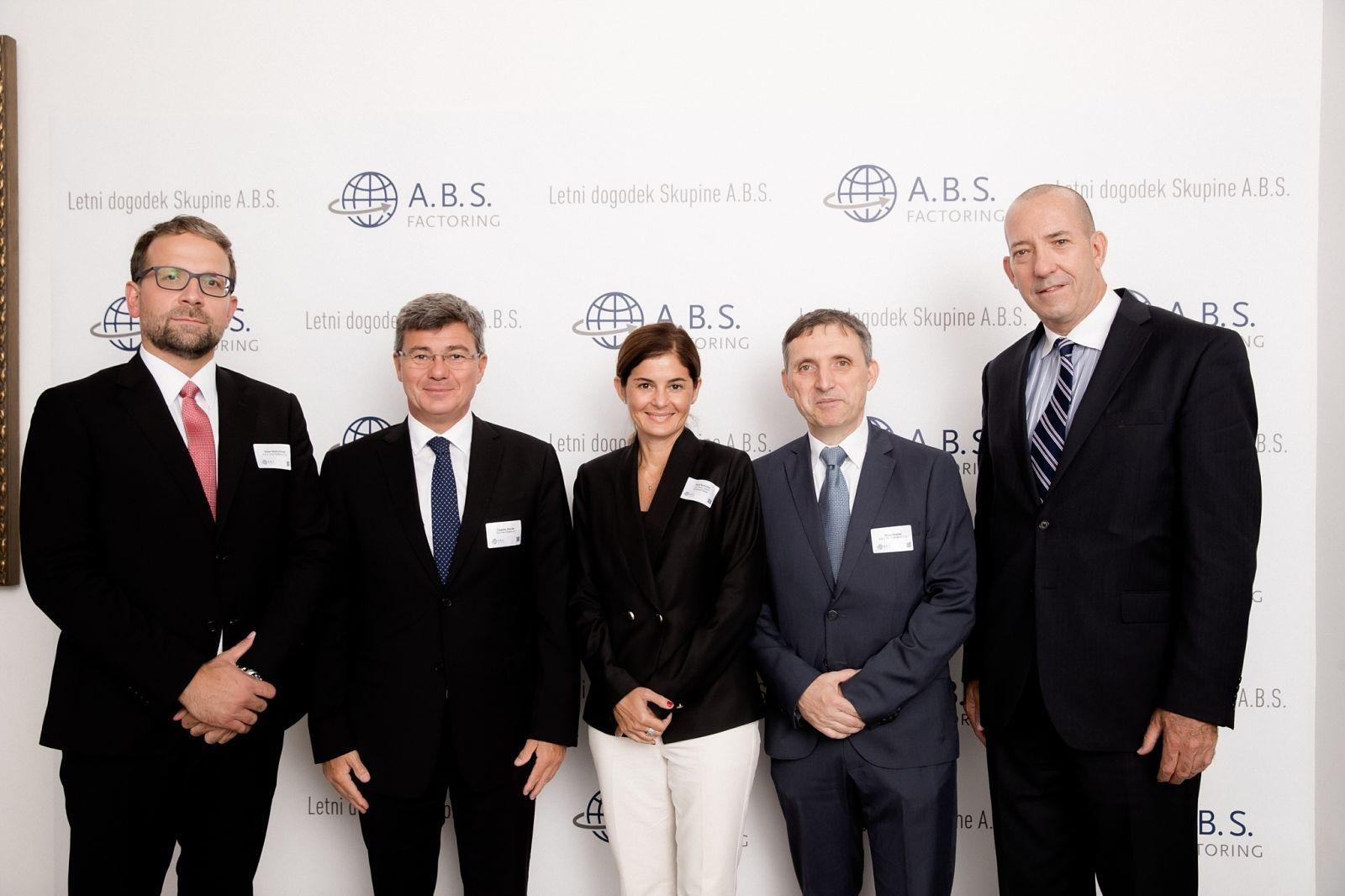 Letni dogodek Skupine A.B.S. 2019: Dejan Barbutovski, Çagatay Baydar, Betűl Kurtulus, Bojan Šuštar, Peter Mulroy